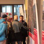 Live am Luftbild — die Fachausstellung ermöglicht es, das Thema Seilbahn in Bonn interaktiv zu diskutieren. (Foto: raumkom)